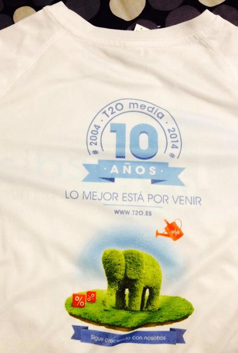 Camiseta Lo Mejor Esta Por Venir T2O media